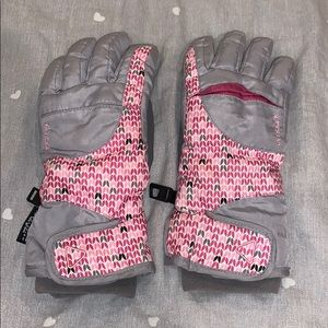 grey and pink snow gloves